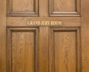 old-oak-entrance-door-ot-grand-jury-room-in-crown-court